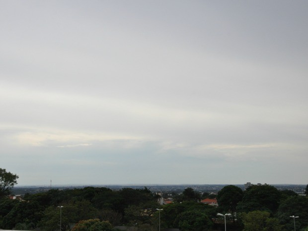 Céu de Campo Grande na noite desta sexta-feira (24) (Foto: Glaucea Vaccari/G1 MS)
