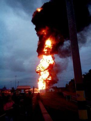 Acidente caminhão-tanque Torres RS (Foto: PRF/Divulgação)
