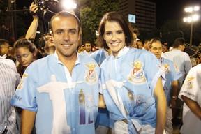 Roger Flores e Deborah Secco na concentração (Foto: Marcos Serra Lima / EGO)