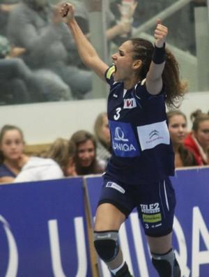 Alexandra Nascimento, ponta-direita, Hypo (Áustria), contra o Randers (DIN) (Foto: Reprodução/Facebook)