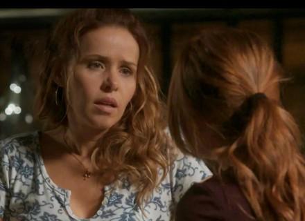 Teaser: Eliza alerta Gilda sobre Dino, mas dona de casa não dá ouvidos