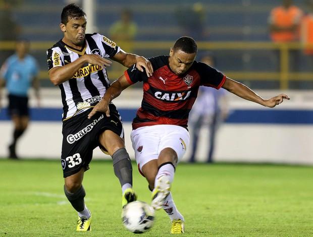 Edilson botafogo e vitória (Foto: Rui Porto Filho / Agência Estado)