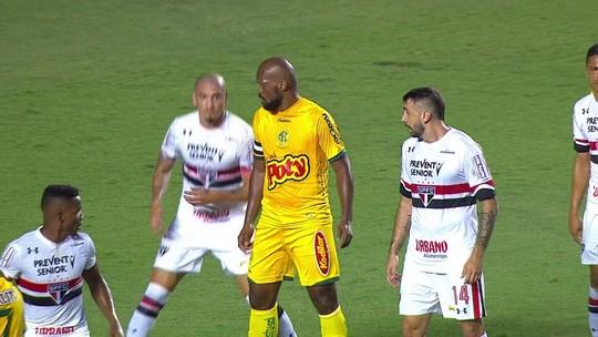 Pratto faz gol na estreia, mas São Paulo cede empate nos acréscimos