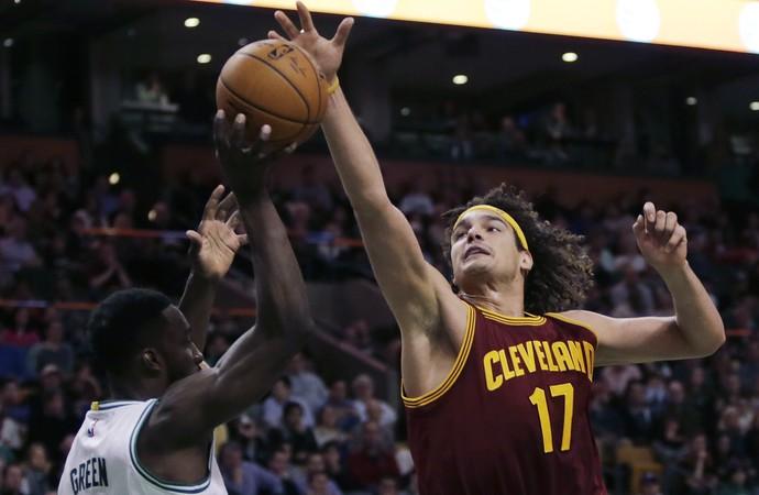 Anderson Varejão Cleveland x boston NBA - AP (Foto: AP)