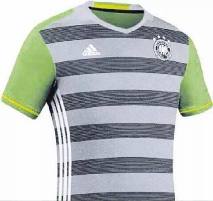 716c62f5f2 Pijama  Jornal revela desenho de camisa reserva polêmica da Alemanha ...