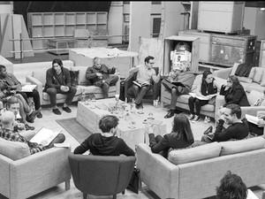 Elenco de 'Star Wars: Episódio VII' lê roteiro em estúdio (Foto: Divulgação/Disney)