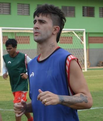 Robinho, meia-atacante do Rio Branco-AC (Foto: Murilo Lima)