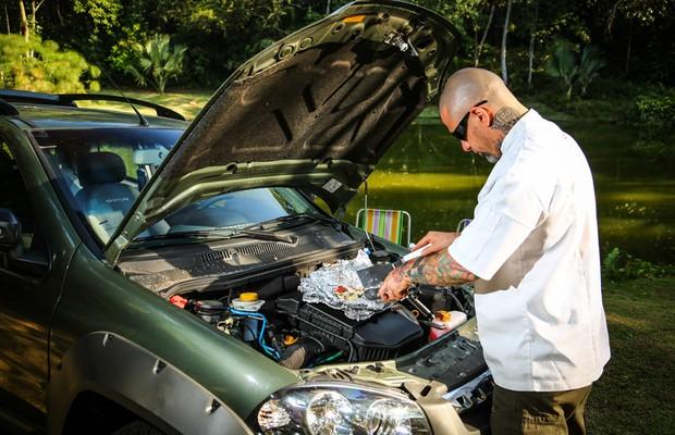 Como cozinhar no motor do carro (Foto: Rafael Munhoz)