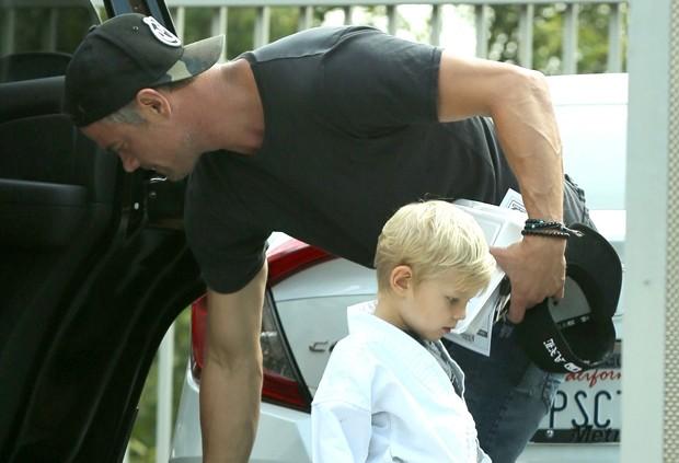 Josh Duhamel e o filho, Axl (Foto: Backgrid)