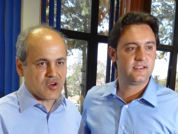 Gustavo Fruet e Ratinho Jr.: clima cordial entre os dois candidatos a prefeito de Curitiba (Foto: Sérgio Tavares Filho/G1)
