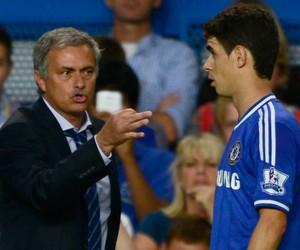Mourinho Oscar Chelsea (Foto: Reuters)