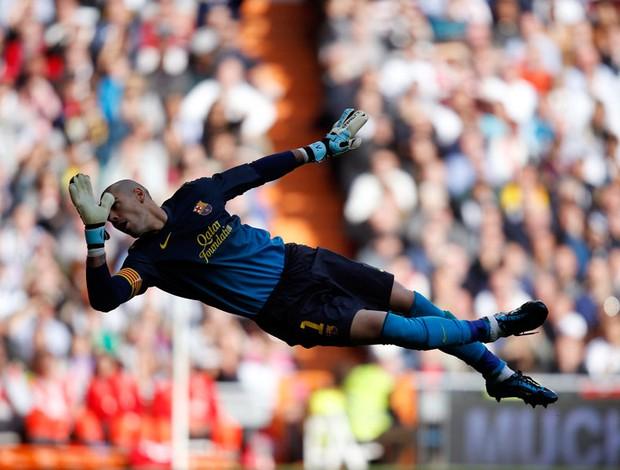 victor valdes barcelona real madrid (Foto: Agência Reuters)