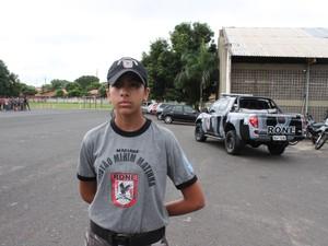 Aluna Mariana Oliveira, de 14 anos, já faz parte do grupo há dois (Foto: Ellyo Teixeira/G1)