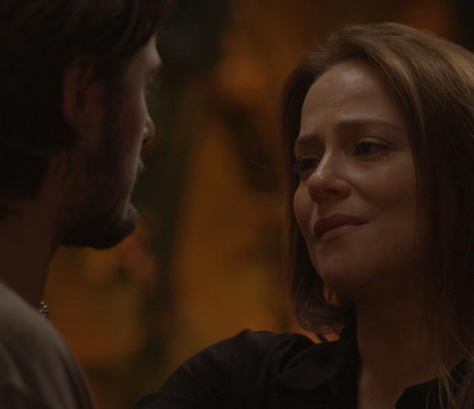Lili fala para Rafael que não pretende reatar namoro (Foto: TV Globo)