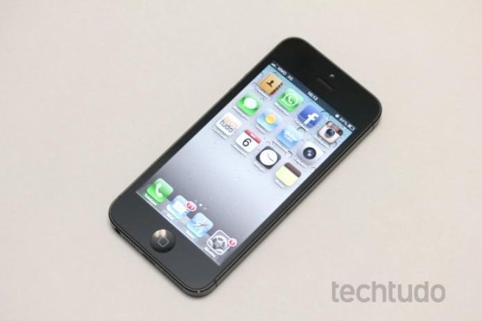 iPhone 5, agora com tela de 4 polegadas (Foto: Allan Melo / TechTudo)