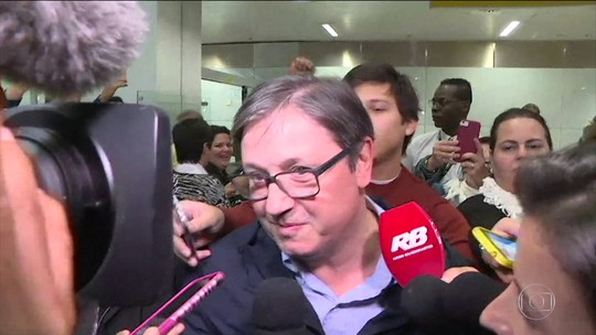 Rodrigo Rocha Loures entrega mala com o dinheiro enviado por Joesley