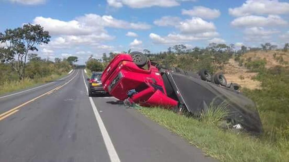 Motorista teve um corte na cabeça e escoriações (Foto: João Lã/Arquivo Pessoal)
