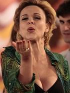 ...Bárbara segue divando em reality (Sangue Bom / TV Globo)