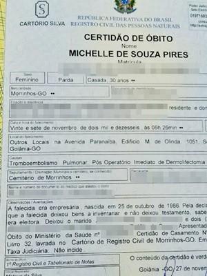 Certidão de óbito apontou causa da morte da empresária Michelle de Souza Pires, em Goiás (Foto: Reprodução/TV Anhanguera)