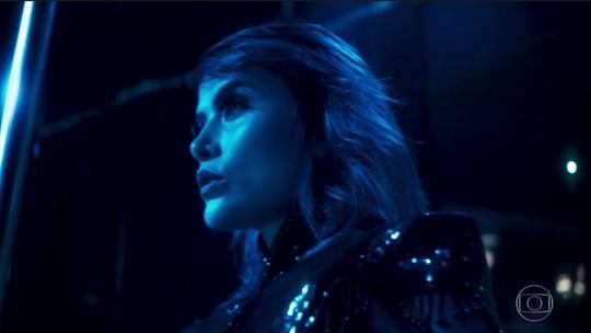 Lilith, personagem de Maria Casadevall, aparece sensualizando em 'Vade Retro'