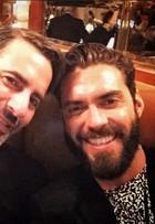 Marc Jacobs e ex-namorado brasileiro aparecem juntos e fãs comemoram