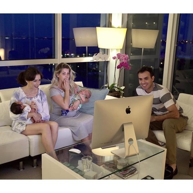 Karina Bacchi assiste ao vídeo (Foto: Reprodução/ Instagram)