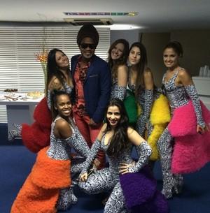 New Frenéticas reencontram Carlinhos Brown nos bastidores (Foto: Arquivo Pessoal)