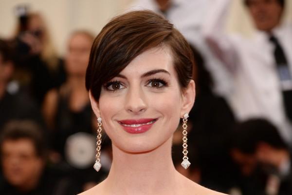 Ao mesmo tempo em que Anne Hathaway conquistou muitos fãs, ela é considerada por muitos irritante e falsa, como se interpretasse o papel dela mesma  (Foto: Getty Images)
