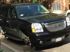 Após ter 4 rodas roubadas, motorista leva multa por deixar carro na rua