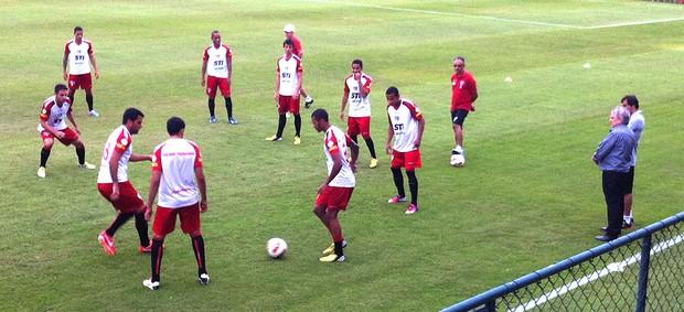 Juvenal Juvêncio assiste treino São Paulo (Foto: Carlos Augusto Ferrari)