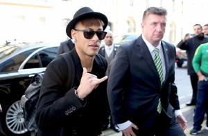 Atacante Neymar se apresenta à Seleção em Paris (Foto: Rafael Ribeiro / CBF)