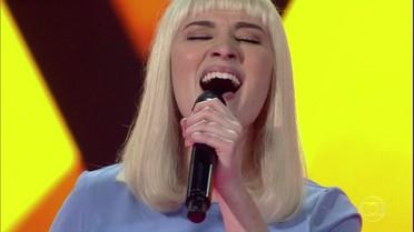 Gabriela Ferreira canta 'Chandelier'