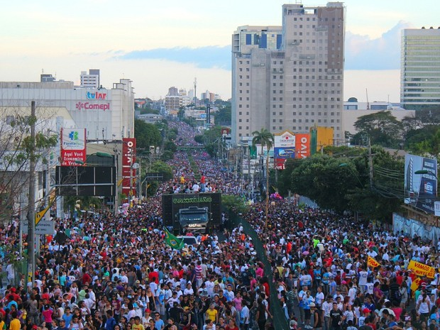 Marcha para Jesus 2013, em Manaus (Foto: Mônica Dias/G1 AM)