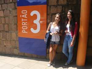 Giovanna usa calças, mas por não gostar de shorts (Foto: Rafaella Fraga/G1)