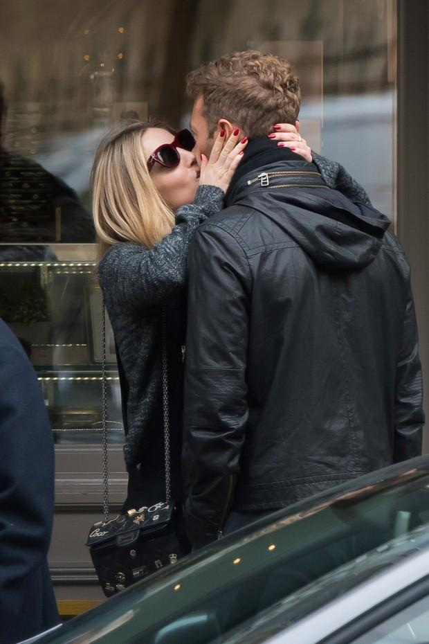 Chris Martin e Annabelle Wallis (Foto: AKM-GSI )