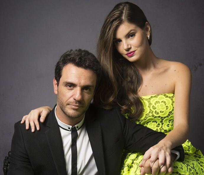 Rodrigo Lombardi e Camila Queiroz no início de Verdades Secretas (Foto: Renato Rocha Miranda / TV Globo)