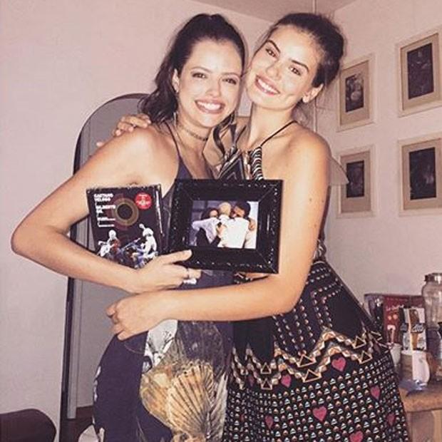 Agatha Moreira e Camila Queiroz em festa no Rio (Foto: Instagram/ Reprodução)