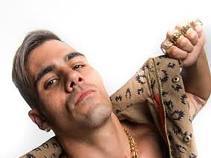 Juliano Cazarré será MC Merlô (Foto: Renato Rocha Miranda / Globo)