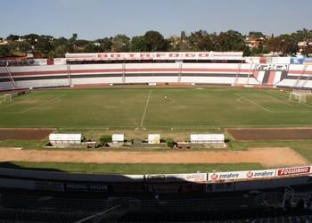 Estádio Santa Cruz, Botafogo-SP (Foto: Cleber Akamine / GLOBOESPORTE.com)