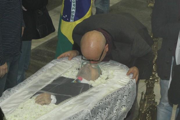 Marcelo Tas no velório de Goulart de Andrade (Foto: Amauri Nehn /  Brazil News )