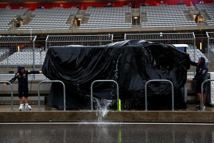 Chuva forte castiga GP dos EUA (Foto: AFP)