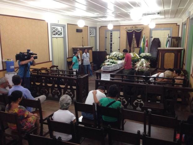 Corpo de Maria Della Costa é velado na Câmara de Vereadores (Foto: Marcos Landim/TV Rio Sul)
