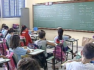Sala de aula (Foto: Reprodução/RPC TV Londrina)