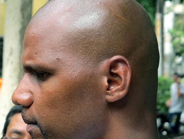 Jefferson do Botafogo no programa da TV corte de cabelo (Foto: Thales Soares)