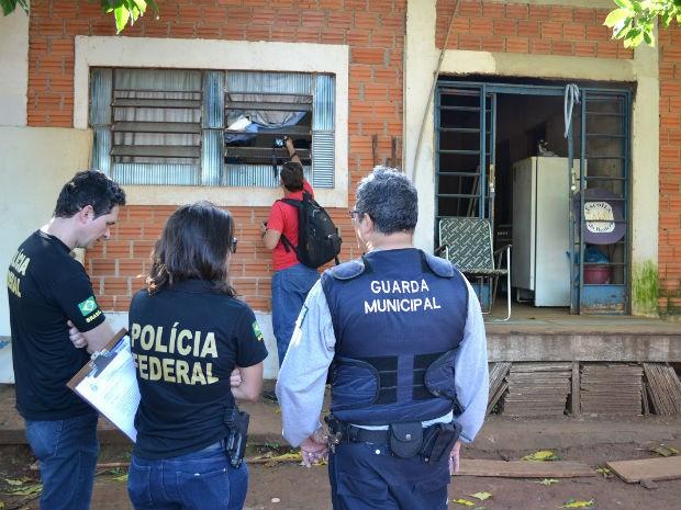 Equipes foram até os endereços informados na emissão do cartão para confirmar documentação (Foto: Prefeitura de Foz do Iguaçu/ Divulgação)