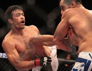 Lyoto Machida Gegard Mousasi UFC Jaraguá do Sul (Foto: Rodrigo Malinverni)