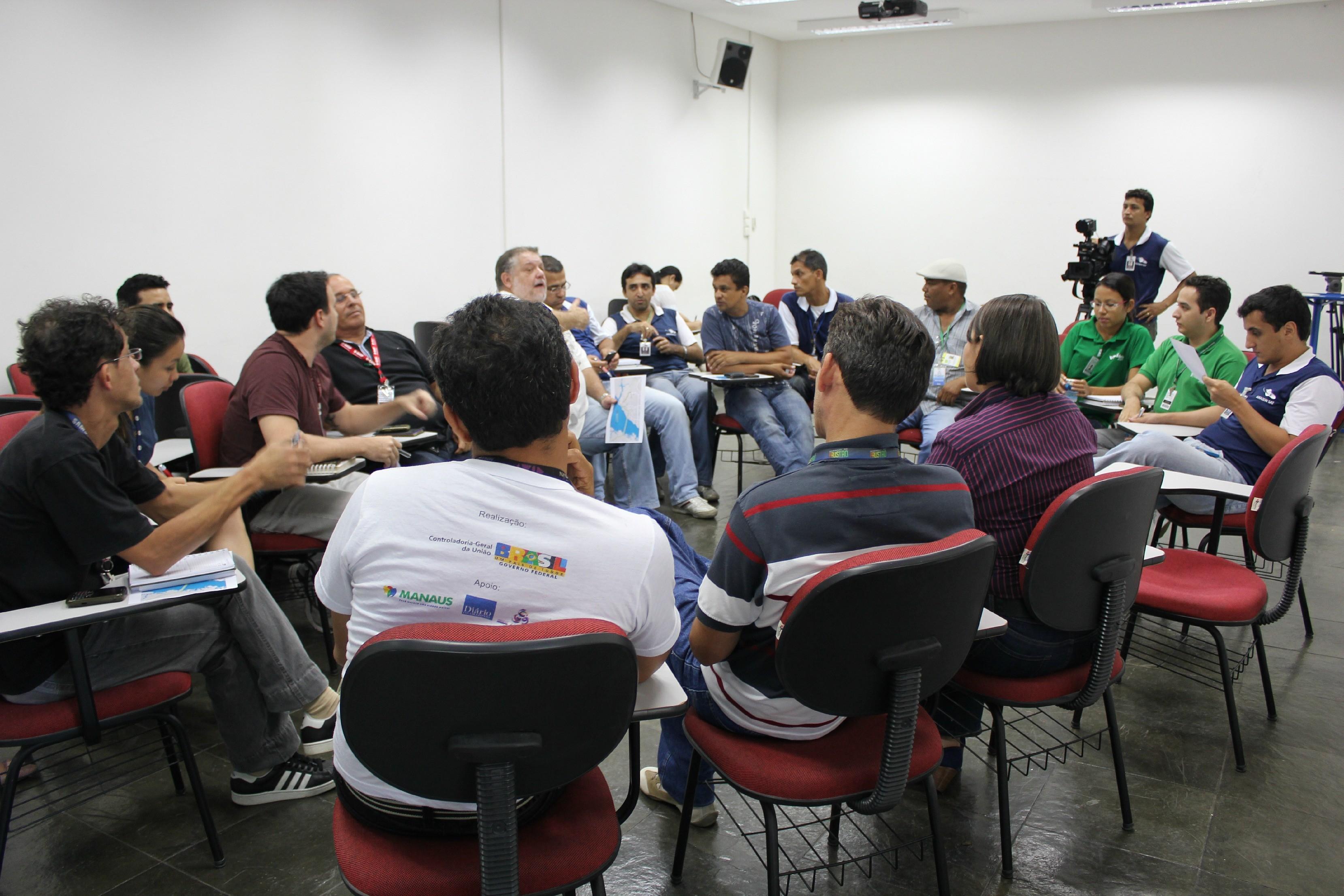 Reunião ocorreu na tarde desta segunda-feira (29) (Foto: Katiúscia Monteiro/ G1 AM)