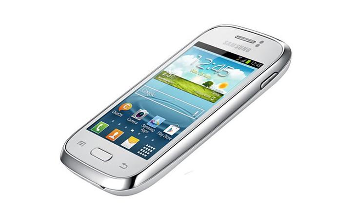 Galaxy Young Duos TV, smartphone da Samsung com espaço para dois chips de operadora e TV (Foto: Divulgação)