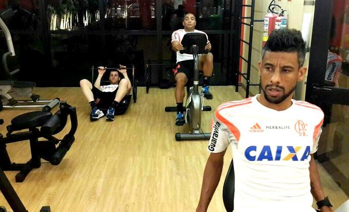 Flamengo treina na academia do hotel em Manaus (Foto: Divulgação)