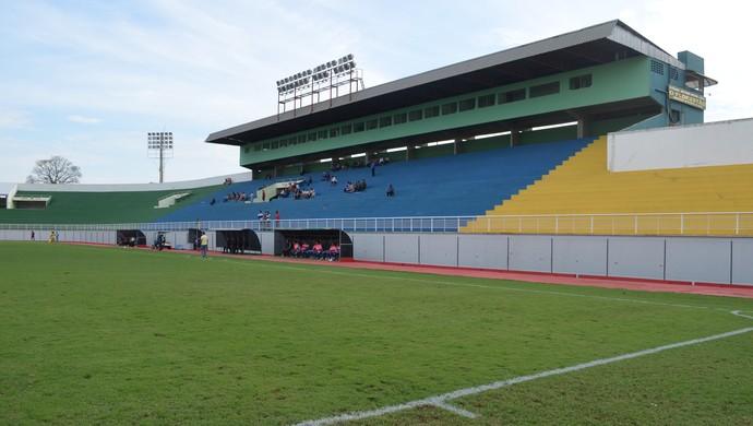 Estádio Florestão, em Rio Branco (Foto: João Paulo Maia)